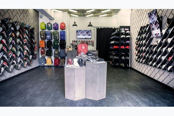 7kmh — der Sneakers Store mit besonderer Street Credibility.